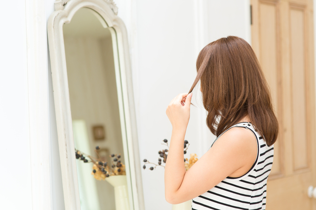 【巻き髪ミディアム】方法・手順・使い方、メリットデメリットなどについて