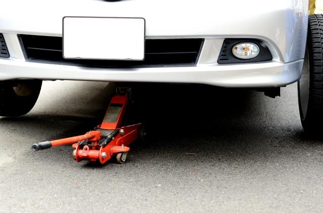 タイヤ交換の方法・手順・使い方、メリットデメリットなどについて