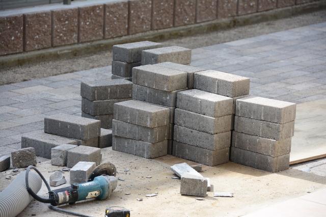 インターロッキングブロック施工の方法・手順・使い方、メリットデメリットなどについて