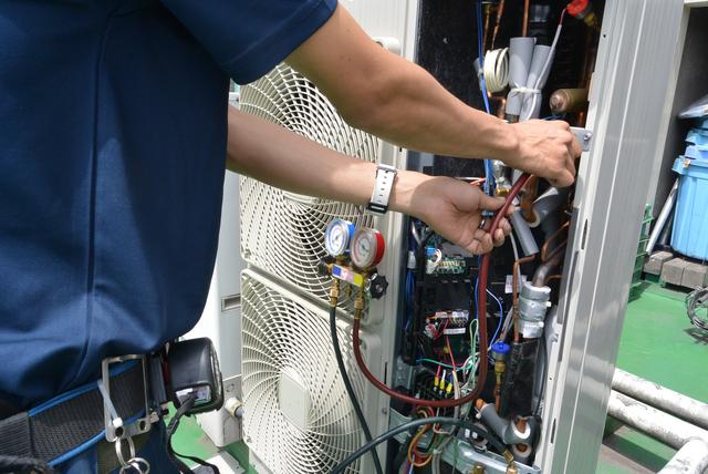 エアコンガスチャージの方法・やり方・手順や使い方