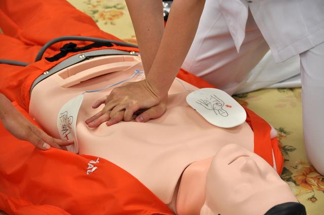 心肺蘇生法の方法・やり方・手順や使い方・流れなどについて
